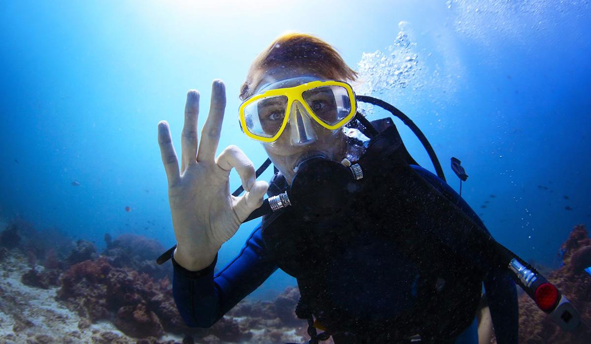 female diver ok